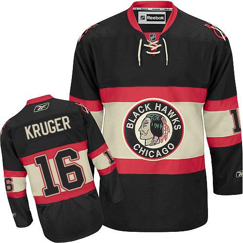 Chicago Blackhawks Jersey Vintage Blackhawks Hockey Jersey CCM Streetwear  Tomahawk Shoulder Badges Blackhawks Shirt Native American